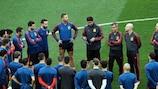 España entrenando en la previa del partido