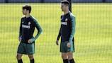 João Félix e Cristiano Ronaldo num treino de Portugal