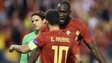 Romelu Lukaku comemora um dos golos com Eden Hazard