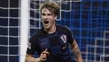 Tin Jedvaj festeja após marcar o golo da vitória da Croácia sobre a Espanha