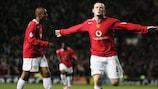 Wayne Rooney firma una tripletta all'esordio europeo con il Manchester United nel 2004