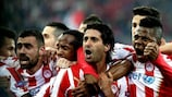 Alejandro Domínguez fête le premier but de l'Olympiacos