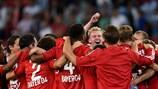 Os jogadores do Leverkusen festejam o apuramento