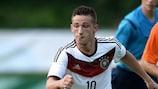 Donis Avdijaj im Einsatz für Deutschlands U19