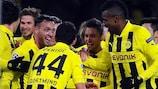 Los jugadores del Dortmund celebran su pase