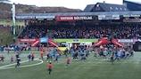 Os adeptos do HB celebram a conquista do 22º título das Ilhas Faroé