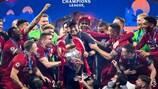 Jürgen Klopp feiert in Madrid mit seinem Team