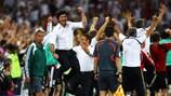 Die Freude von Deutschlands Nationaltrainer Joachim Löw kannte nach dem erlösenden 3:2 keine Grenzen