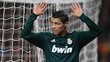 Returning Ronaldo nudges Madrid past United