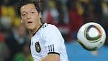 Nach seinem Titelgewinn 2009 konnte Mesut Özil auch in der A-Nationalmannschaft beeindrucken