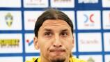 O capitão da Suécia, Zlatan Ibrahimović, continuará na selecção