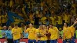Les Suédois communient avec leurs supporters après avoir battu la France