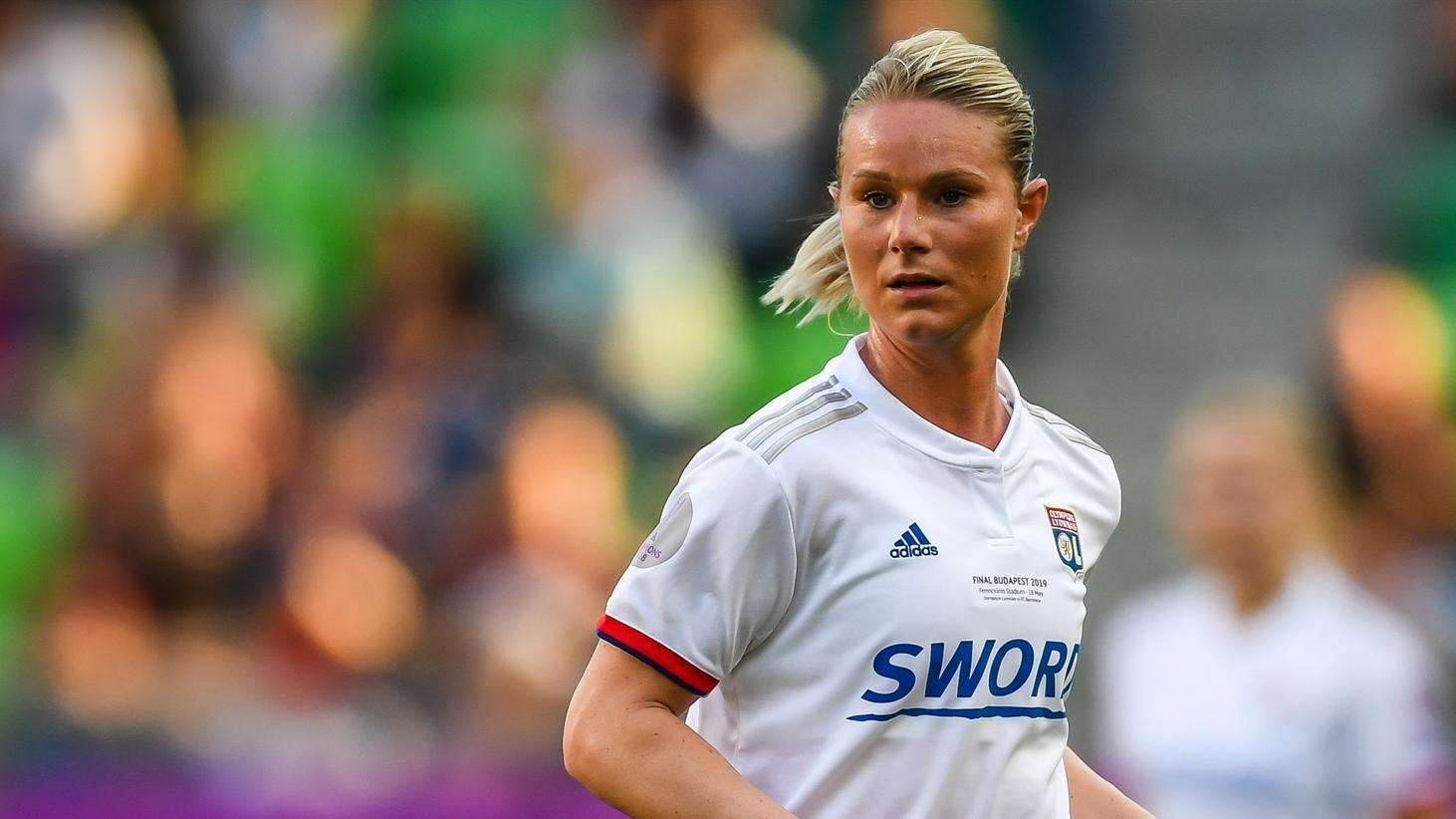 Uefa Women S Player Of The Year Nominee Amandine Henry Uefa Women S Champions League Uefa Com