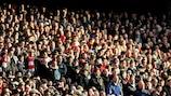 La UEFA se reúne con los aficionados