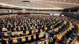 Il Parlamento Europeo a sostegno delle politiche UEFA