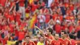 Fàbregas feels holders' burden against Italy