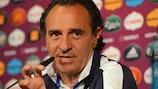 """Cesare Prandelli quer uma Itália """"dinâmica"""" contra a Espanha"""