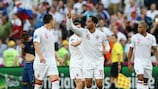 Les Anglais félicitent Joleon Lescott pour l'ouverture du score