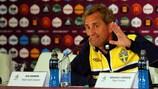 Erik Hamrén mostrou-se bem disposto na conferência de imprensa em Kiev