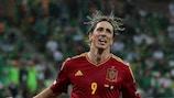 Iniesta y Silva marcan el camino