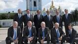El Equipo Técnico de la UEFA, junto al Presidente Michel Platini en Kiev.De izquierda a derecha: Brigger, Osieck, Platini, Gagg, Houllier; Lagerbäck. En primera fila: Engel, Fitzel, Mezey, Schpigler, Roxburgh