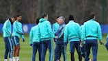 Guus Hiddink instructs Chelsea during training on Tuesday
