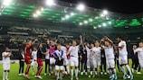 Wolfsberg feiert den Sieg in Mönchengladbach