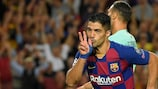 Luis Suárez celebrates scoring Barcelona's Matchday 2 winner against Inter