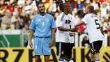 Jerome Boateng (Mitte) nimmt nach seinem Tor gegen San Marino am Freitag die Glückwünsche entgegen