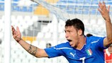 Mattia Mustacchio comemora o golo que deu o triunfo à Itália sobre o País de Gales