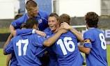 I giocatori dell'Islanda esultano