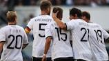 Александр Эссвайн (№15) забил победный гол сборной Германии в матче с Беларусью