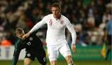 L'Angleterre mène à la mi-temps grâce à Connor Wickham