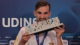 Fabián Ruiz receives his SOCAR Player of the Tournament award