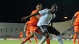 Peniel Mlapa in azione contro l'Olanda