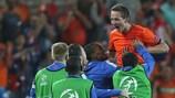 Luuk De Jong esulta dopo il gol