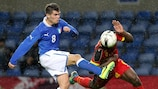 L'Italien Federico Viviani à la lutte pour le ballon à Genk