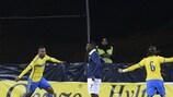 Isaac Thelin celebra el 2-0 en una noche vibrante