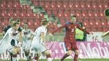 França recupera e derrota Inglaterra, Dinamarca vence
