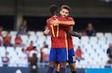 Iñaki Williams y Borja Mayoral, dos goleadores para lograr el pase