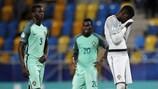 Edgar Ié (esquerda), Bruma e o Bruno Varela (direita) não escondem a frustração após a eliminação de Portugal do EURO Sub-21 de 2017