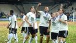 Les joueurs de l'Allemagne savourent leur succès sur la pelouse de Cracovie