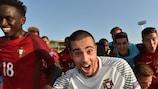 O guarda-redes Diogo Costa lidera os festejos de Portugal após a vitória sobre a Holanda