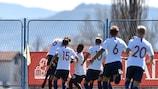 A Noruega comemora após marcar um golo muito importante diante da Alemanha