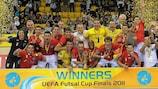 O Montesilvano festeja a conquista do troféu depois de bater o Sporting na final, em Almaty
