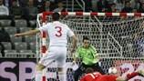 Espanha e Rússia, finalistas do EURO, têm esperanças de se apurar para o Mundial