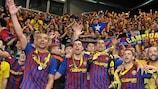 Os jogadores e os adeptos do Barcelona festejaram em conjunto o triunfo