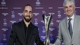 Ricardinho and former Spain coach José Venancio López unveiled the trophy at the finals draw