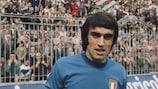 Pietro Anastasi preparing to play for Italy in 1972