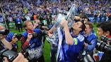 Frank Lampard with the trophy after Chelsea's 2012 final win against Bayern